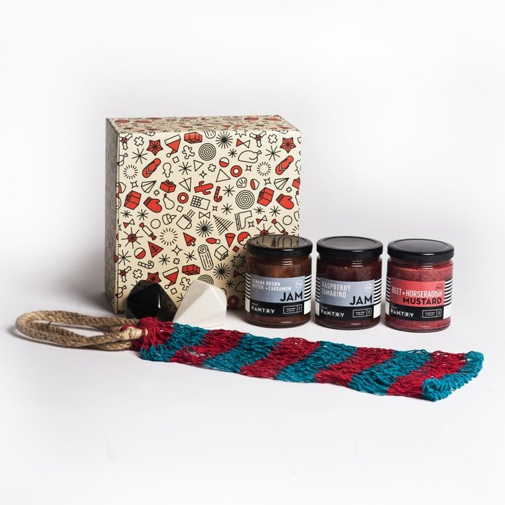 Bon Appetit Holiday Gift Set.  Looking for the perfect Secret Santa gift for the foodie? Look no further. Our Bon Appetit Holida Gift Pack will delight any giftee. Tis the season to treat yoself!   Includes:  - Geometric Salt + Pepper Shakers  - Drake Pantry Banana Brown Butter + Cardamom Jam (Handcrafted in Toronto 375g)  - Drake Pantry Beet + Horseradish Mustard (Handcrafted in Toronto 320g) - Net Fruit Bag