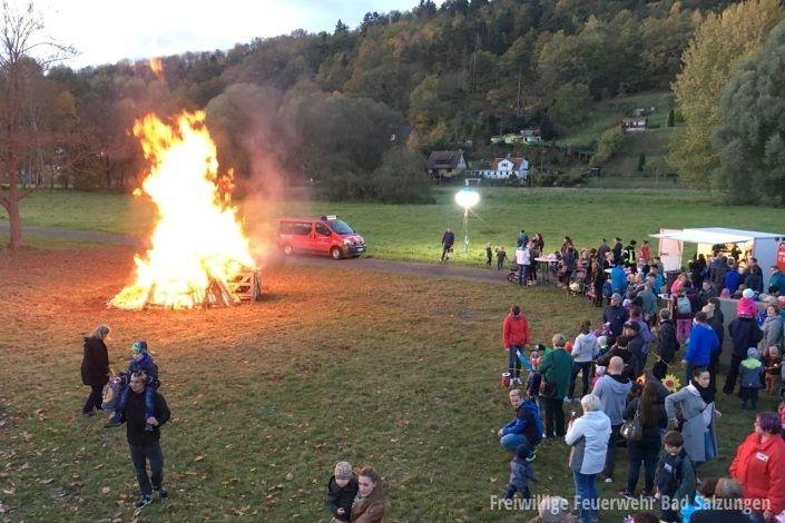 Laternenumzug der Kita Regenbogenland, Feuerwehr unterstützte!