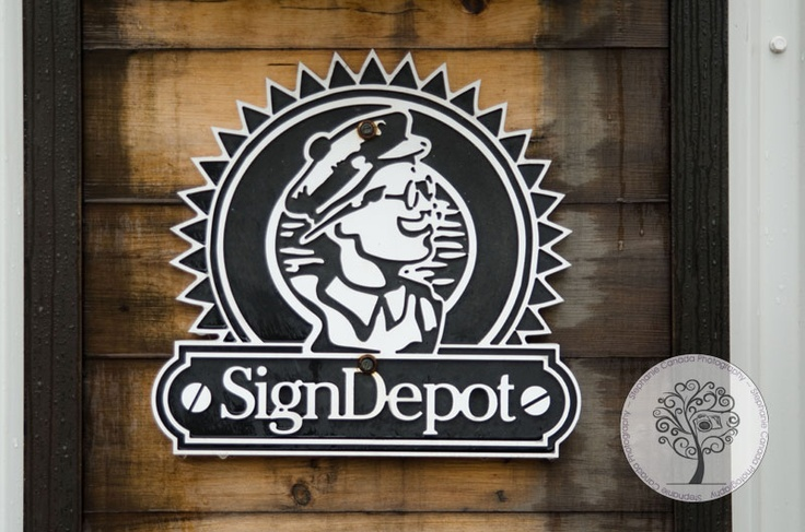 {The Sign Depot | Photographer on the Move Blog Series | Kitchener Waterloo Photographer} » Kitchener Waterloo Wedding and Family Photographer