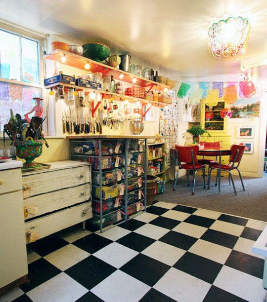Awesome kitschy bungalow via @Apartment Therapy