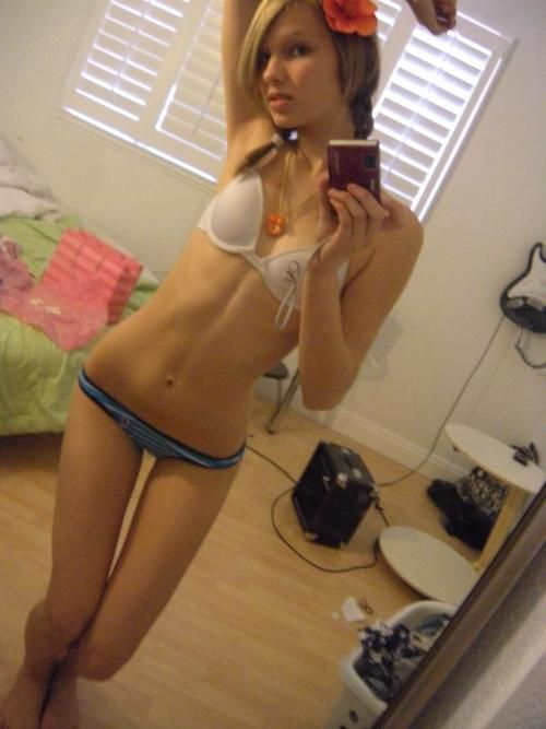 self shot jailbait on there bed