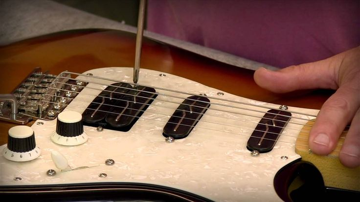 Lindy Fralin, of Lindy Fralin Pickups, shows how he sets pickup heights. Lindy shows it's not about measuring, it's about listening. Recorded at last Summer'...