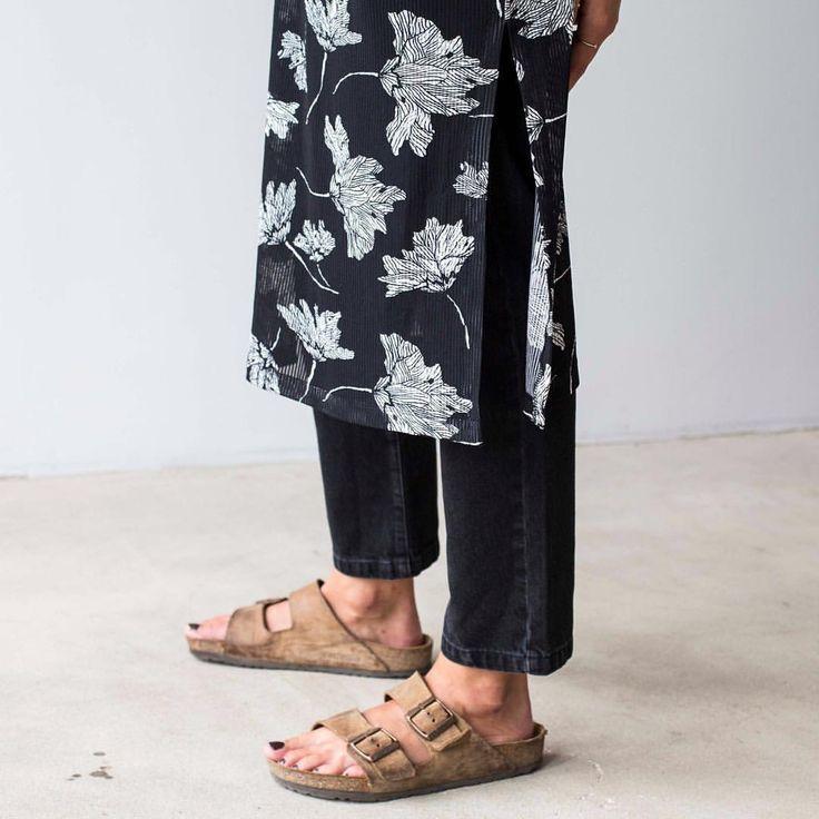 perfect combo: autumn leaves and denim @minimum_fashion