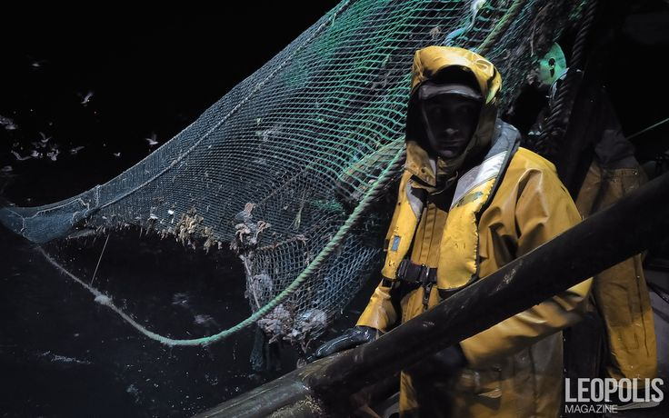 In the tempest   #Fishing #peche #fisherman #yellowsuit #sea #mer #net #filet #seaboat #north #nord #Leopolismagazine #LPM #Lille #LPM0 #photojournalism #editorial
