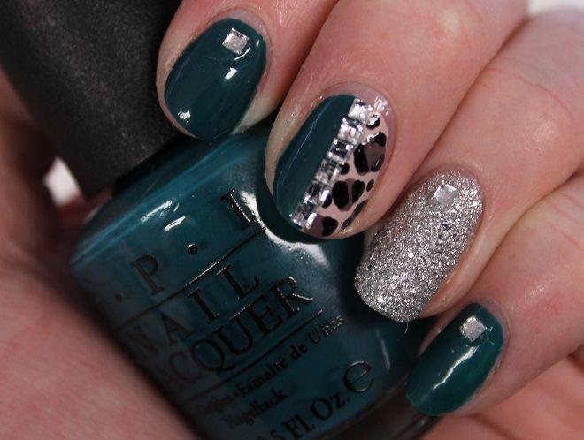 Simpele NailArt met OPI nagellak en veel bling bling!   Beautynailsfun.nlBeautynailsfun.nl