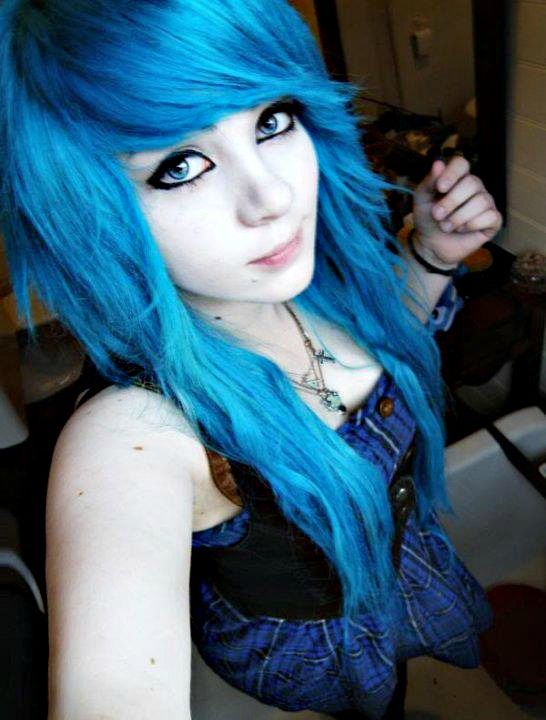 Pretty Girls With Blue Hair emo girl. she i...