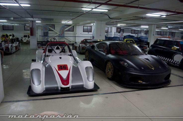 Foto de El garaje de ensueño del Ascari Race Resort (10/36)