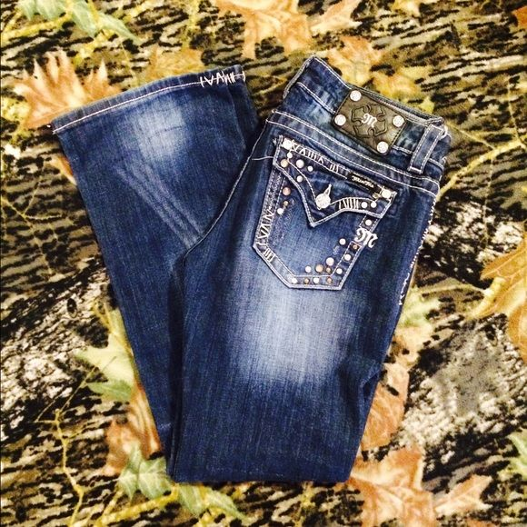 Miss mes size 29 Size 29. Easy boot. Super cute! Inseam 32. Will trade for vs or other miss mes. Miss Me Pants Boot Cut & Flare