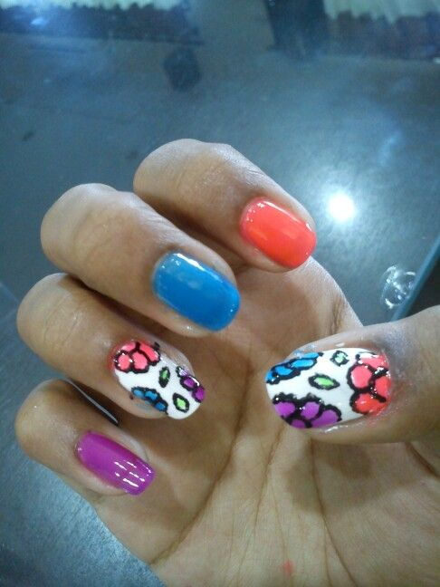 Floral doodle nails. Inspired by @cutepolish