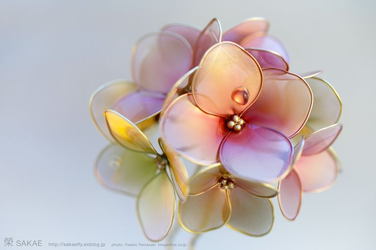 簪作家榮 2011紫陽花簪 Japanese hair accessory -Hydrangea Kanzashi- by Sakae, Japan   http://sakaefly.exblog.jp/   http://www.flickr.com/photos/sakaefly/