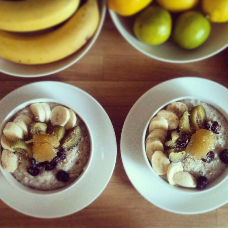 healthy oatmeal with fruits and honey