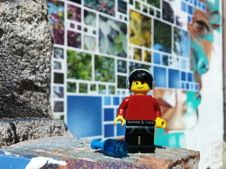 More beautiful street art in Barcelona. #lego #minifig #photography #legography #toyphotography #graffiti #Barcelona