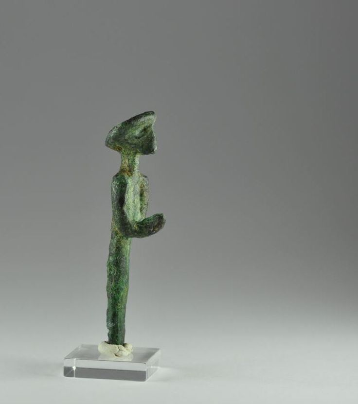 Syrian cultural heritage, bird faced idol, bronze ithyphallic figure, 1st millenium B.C. Syrian cultural heritage, bird faced idol, Greek Levantine Canaanite bronze bird face ithyphallic figure, 5 cm high. Private collection
