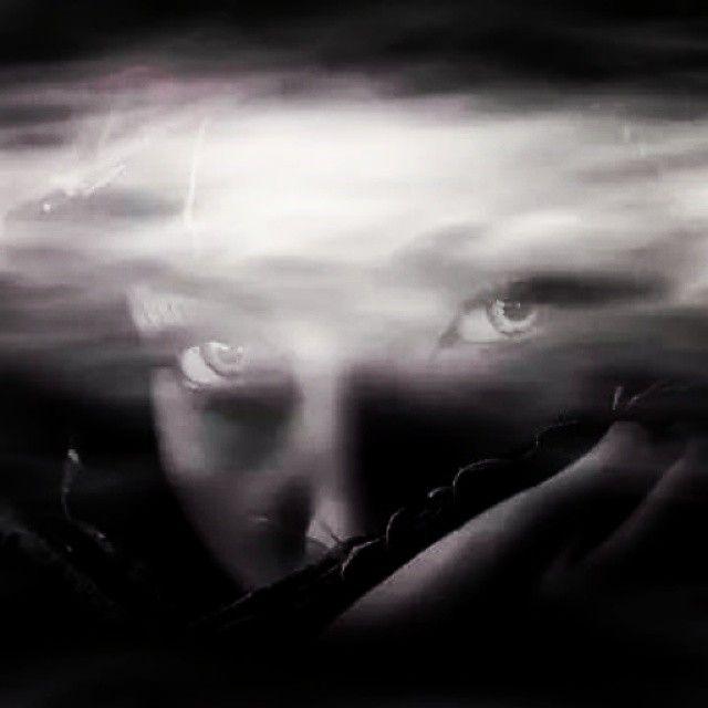 Που γεννήθηκε, λοιπόν, ο μύθος και γιατί, άραγε, και πως; Η πρώτη γυναίκα το 'μαθε, αρχή - αρχή του χρόνου. Ποιος το 'πε στην γυναίκα; Το παιδί που είχε μες στην κοιλιά της. Ποιος το 'πε στο παιδί ; Η σιωπή του Θεού. Ποιος το 'πε στην σιωπή;  © Mona Perises