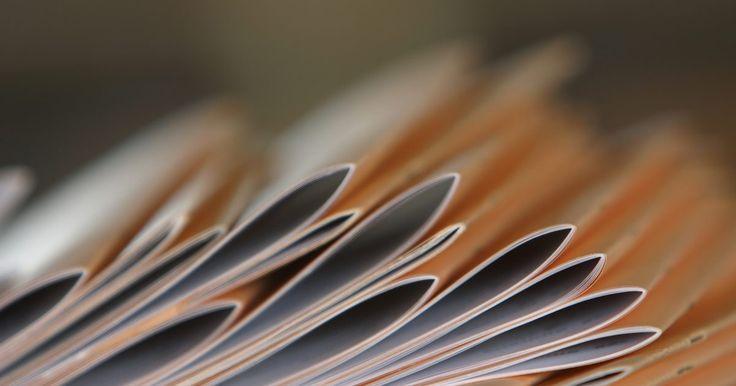 Cómo imprimir un folleto en Adobe. Poder imprimir un folleto en Adobe Reader es algo que puede ser muy útil, particularmente si estás tratando de imprimir un folleto de estilo profesional para repartir. Esto puede ser un gran sustituto para un volante, especialmente si tiene más información de lo que podría caber en un formato de volante. Otra ventaja de poder imprimir un folleto ...