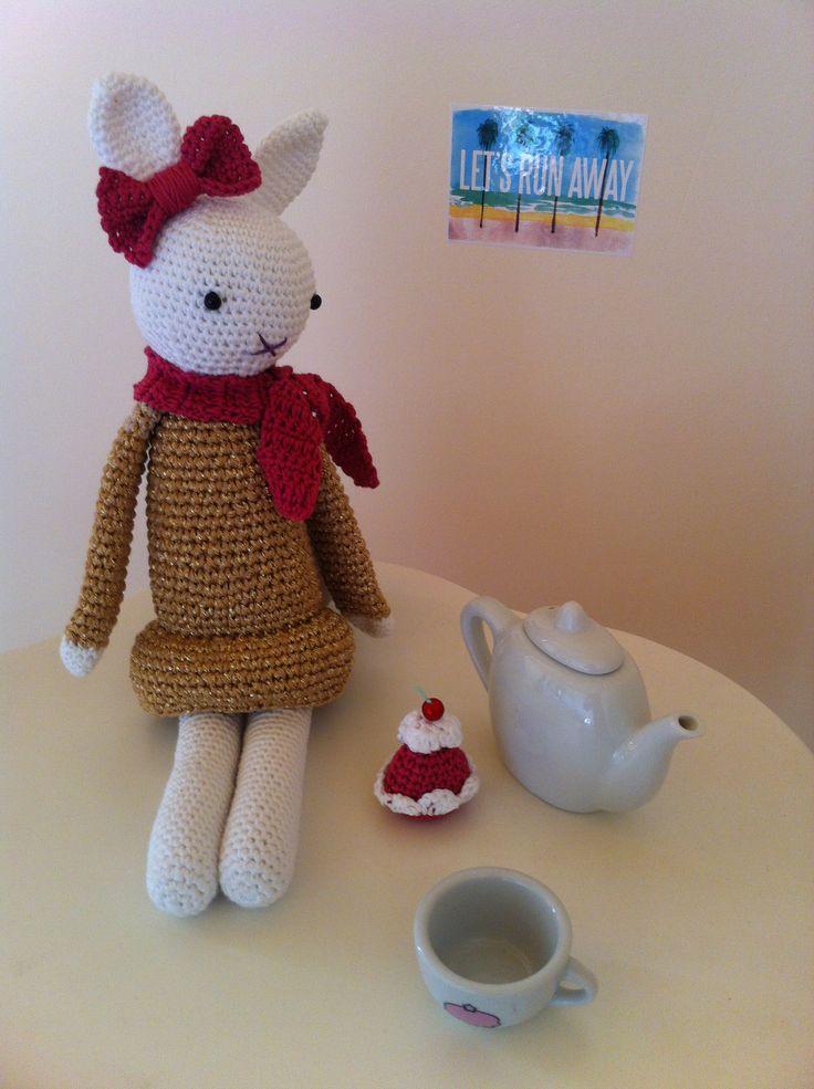 Joséphine having tea time !