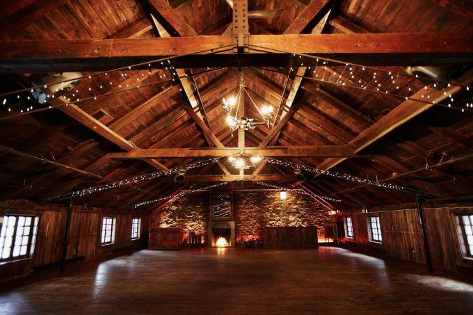 1000 images about les plus belles salles de mariage au. Black Bedroom Furniture Sets. Home Design Ideas