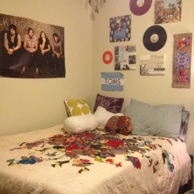 131 best Dorm Sweet Dorm images on Pinterest   Colleges, Great ideas ...