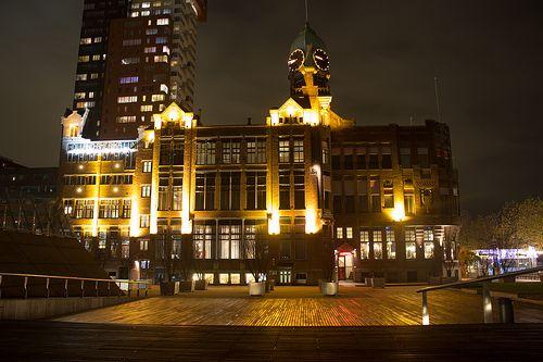 Rotterdam Hotel New York at night