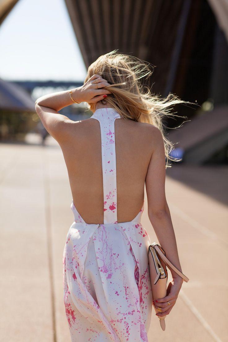Zimmermann dress & Alexander Wang clutch. (pictured: fashion blogger Jessica Stein) #fashion #style