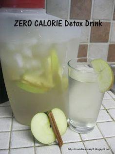 """Além de refrescante ajuda a dar uma """"limpada"""" no organismo:2 litros de água; 1 maçã verde; 1 pedaço de canela em pau. Se quiser mais sabor acrescente mais maçã ou canela. Se não gostar de canela substitua por gengibre, laranja, hortelã etc."""
