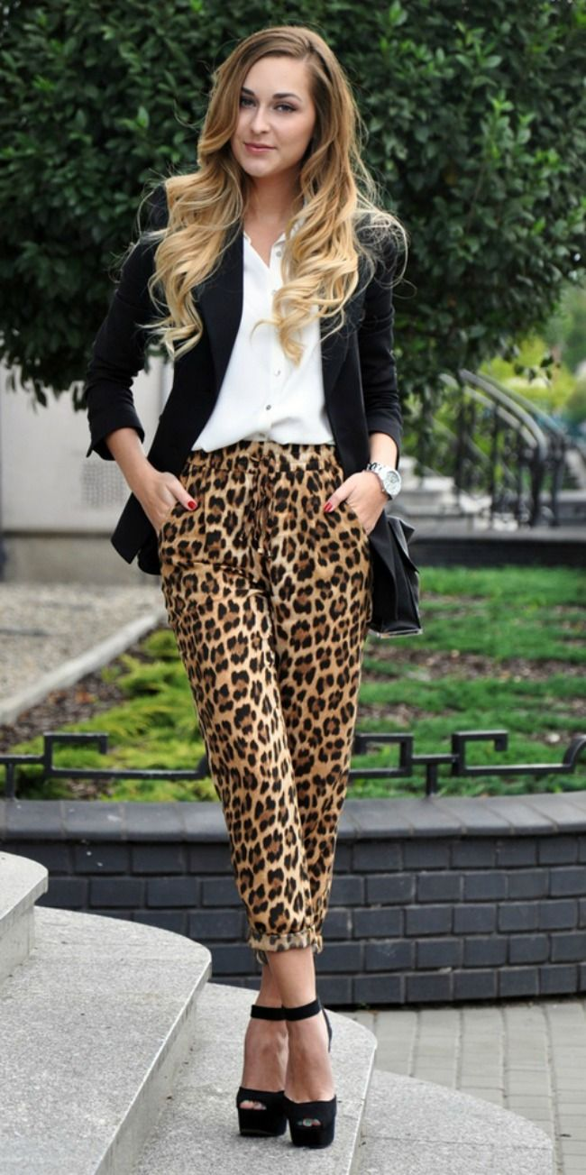 I like this but there is no way I could pull off the pants! Leopard desenli pantolon, shirt and black blazer