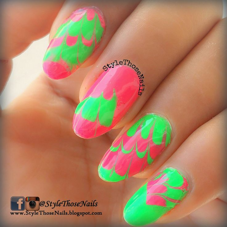 DIY- Water Marble Decal Nail Tutorial / PolyBag Marbling see more http://stylethosenails.blogspot.com/2014/11/diy-water-marble-decal-nail-tutorial.html #DIY #DIYNAILS #Watermarble #Decals #nailart