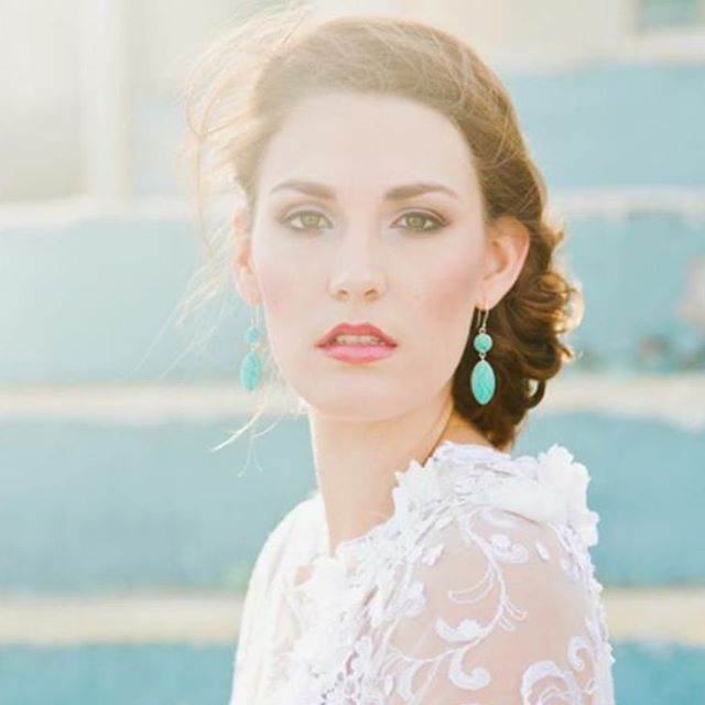 Beach wedding//bridal photoshoot//beach luxe style//hair and makeup inspiration www.maplelane.com.au