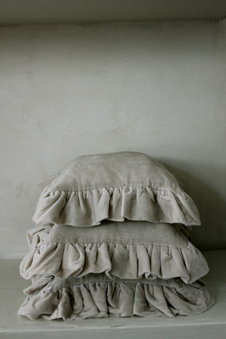 delicious velvet cushions, would be super in a warmer tone...