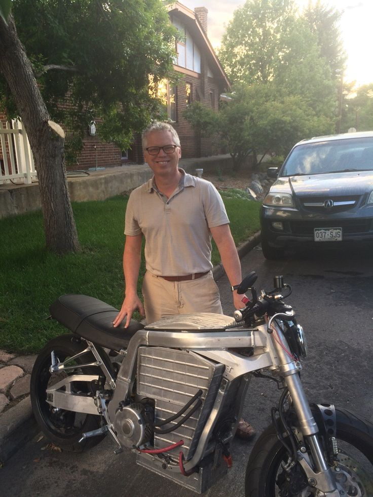 This dude made an electric motorcycle, how savage does that bad boy look?! - Imgur