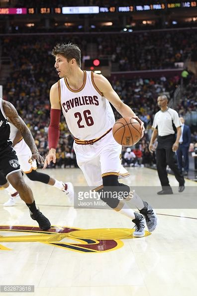 News Photo : Kyle Korver of the Cleveland Cavaliers drives to...