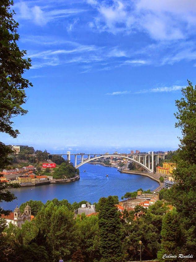 Rio Douro e Ponte da Arrábida - Porto