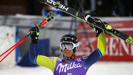 Alpine Skiing: In-form Shiffrin triumphs in giant slalom