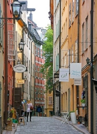 Stockholm's Gamla Stan.  I used to walk down this street from Sodermalm to work at the World Trade Center.  So romantic!
