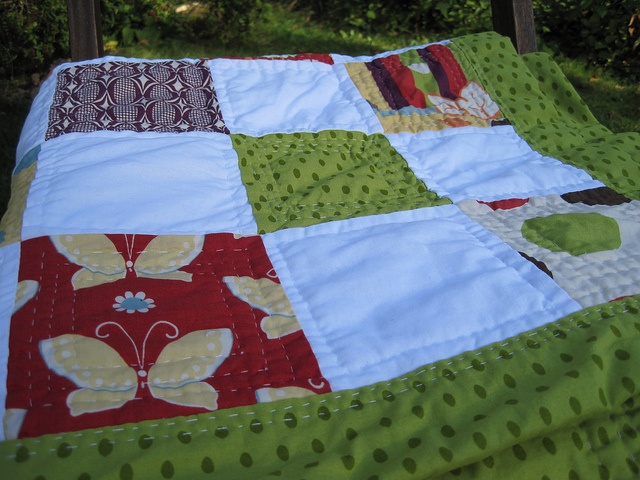 My first hand sewn quilt by Apples-and-Pears, via Flickr