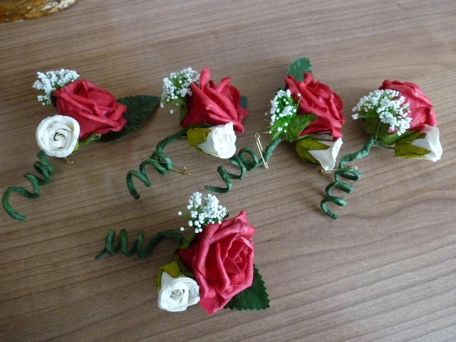 rode #foam roos #corsage #Bruidsboeket #Foamrozen #Zijdebloemen pompoenzaden-decoshop.nl