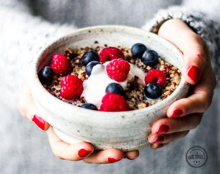"""Wärmendes Quinoa-Porridge aus """"Vegan frühstücken kann jeder"""""""
