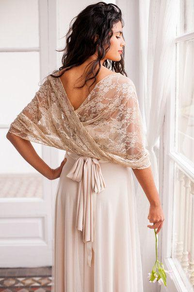 Tücher - Golden lace shawl, lace scarf, bolero, bridal gown - ein Designerstück von Mimetik_Bcn bei DaWanda