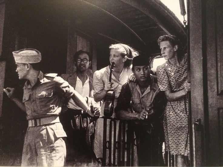 Orang Indonesia kembali ke Tanah Air dari Belanda, Jakarta 2 Januari 147. (IPPHOS - Antara Foto).