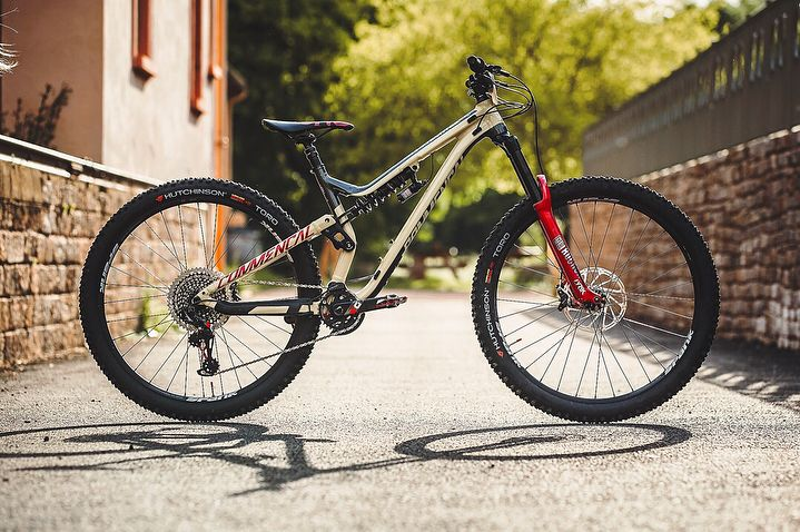 With the new RockShox Lyrik RC2 and RockShox Super Deluxe