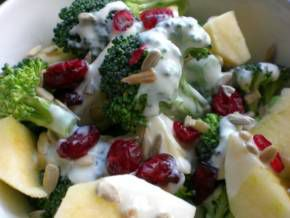 Super-Nutritious Broccoli Salad with Apples and Cranberries   Main Dishes for Fighting PCOS  This low-calorie, low glycemic salad is made of ingredients that are bursting with anti-PCOS nutrients such as B vitamins, calcium, zinc, magnesium, and chromium.