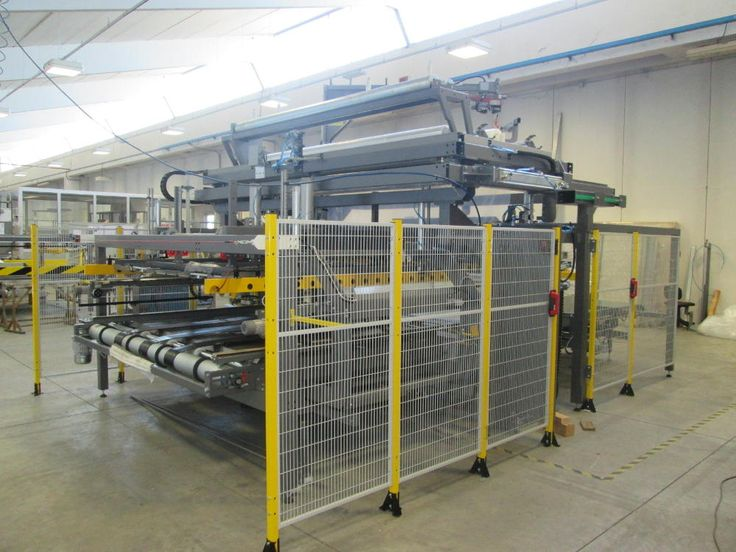 L'imballatrice H288 DI è una macchina specificatamente progettata per imbustare materassi consentendo, dove richiesto, un doppio imballaggio indipendente.