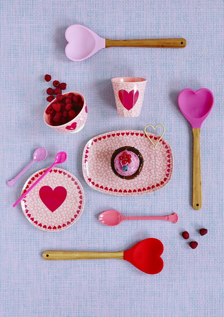 Melamine Heart Print Cups, Plates and Bowls and Heart Shaped Spoon - HS16