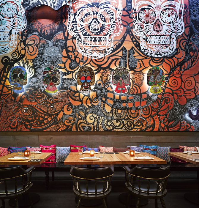 Mesas Boda in addition Oscar E Flores Design Studio in addition Lost Art Inglourious Basterds further 27 further Restaurant Bar Design. on oscar flores design studios