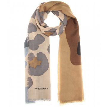 Printed cashmere scarf - Şal, Desenli #askmoda #alisverisbirask #burberry #burberryşal #burberryscarf #scarfmodels #burberry2015