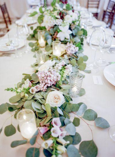 ゲストテーブルのお花はとっても重要*♡<色別>テーブルフラワーのデコレーションまとめ*にて紹介している画像