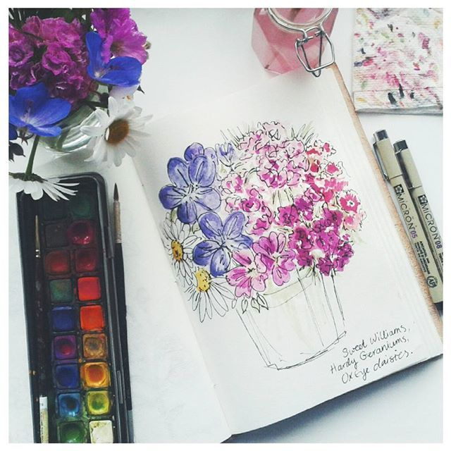 Went outside just to pick some Sweet Williams but ended up with a posy. Couldn't resist those deep purple hardy geraniums!  #watercolour #ink #floral #flowers #sketchbook #artwork #illustration #posy #gardenflowers #painting #sketching #sketchwork #sweetwilliam #hardygeraniums #oxeyedaisies #artist