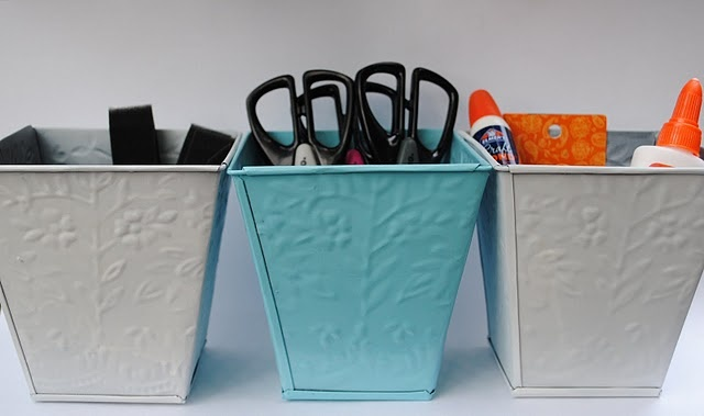 Spray Paint Crafts, Different Uses for Dollar Tree Tins #crafts #spray paint