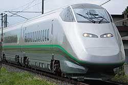 Shinkansen Serie E3-2000 auf der Yamagata-Strecke