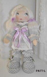 Une nouvelle poupée Renkalik plus petite 30 cm de hauteur.